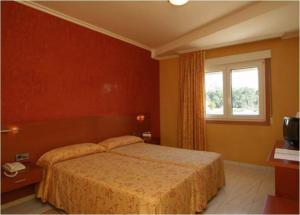 Hotel Dinajan, Hotels  Villanueva de Arosa - big - 3
