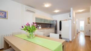 Catto's Apartment