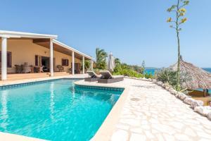 Pelican Villa