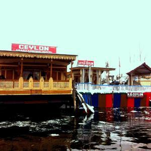 House Boat Czara