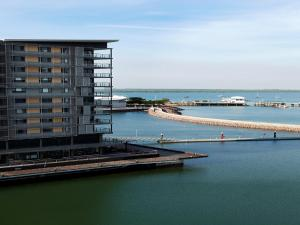Quayside Waterfront Apartment