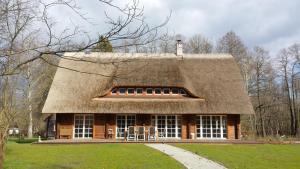 Exklusives Holzhaus