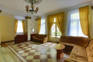 Курортный отель Мидель Гагра - фото 4