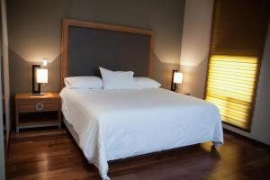 Review MBM Red Sun Hotel