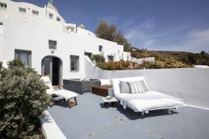 Ikies Traditional Houses(Oia)