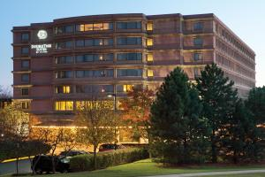 DoubleTree Suites by Hilton Hotel and Conference Center Chicago-Downers