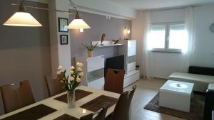 Apartment Sure, Ferienwohnungen  Sveti Filip i Jakov - big - 10