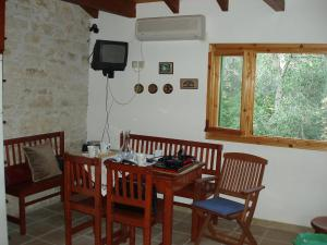 Costas Studio