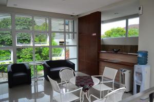 Rumah Singgah Griya H47, Penzióny  Semarang - big - 14