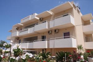Silver Sun Studios & Apartments, Aparthotels  Malia - big - 41