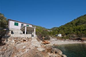 Holiday Home Prisinjak Bay
