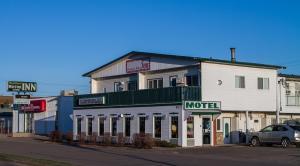 Woodland Motor inn