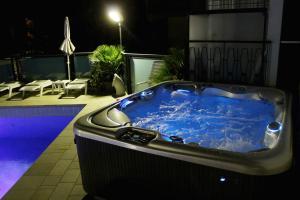 Hotel Verona, Отели  Чезенатико - big - 40