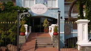 Regency Carrasco - Suites & Boutique Hotel