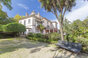 The Romantic Suites & Garden Guesthouse