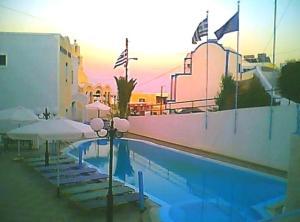 Ξενοδοχείο Ελλάς (Φηρά)