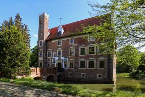 Zamek na wodzie w Wojnowicach