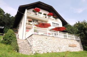 Villa Seeblick, Apartmanok  Millstatt - big - 1