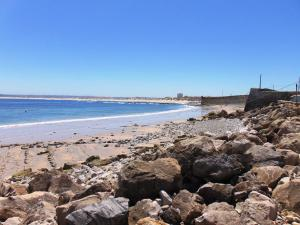 Low Cost Apartment, Peniche