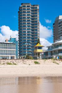 Sunbird Beach Resort - Surfers Paradise, Queensland, Australia