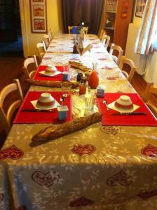 La Ferme des Granges, Bed and Breakfasts  Le Ménil - big - 13