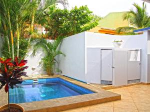 Villa Thoga Vacation Rentals AND Tours, Tamarindo
