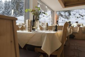 Hotel des Alpes, Szállodák  Flims - big - 57