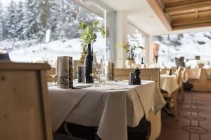 Hotel des Alpes, Szállodák  Flims - big - 88