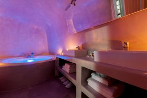 Evmenia Luxury Cave Villa(Oia)