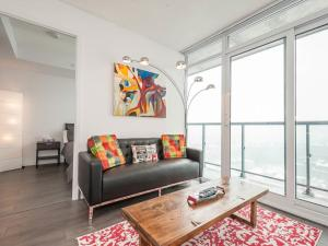 Торонто - AOC Suites - Penthouse Condo