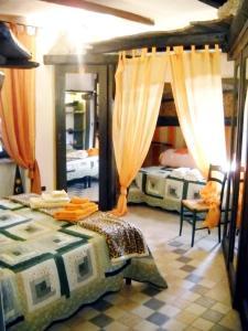 Umbria Volo Country Resort, Holiday homes  Montecastrilli - big - 3