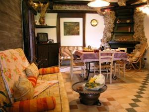 Umbria Volo Country Resort, Holiday homes  Montecastrilli - big - 8