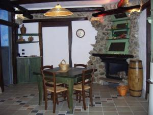 Umbria Volo Country Resort, Holiday homes  Montecastrilli - big - 10