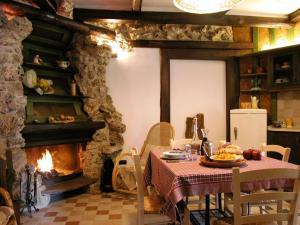 Umbria Volo Country Resort, Holiday homes  Montecastrilli - big - 16