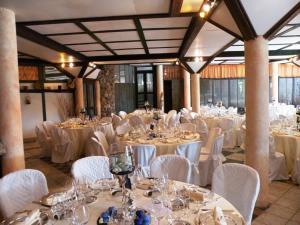 Umbria Volo Country Resort, Holiday homes  Montecastrilli - big - 67