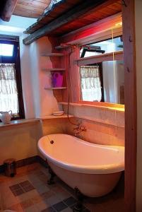 Umbria Volo Country Resort, Holiday homes  Montecastrilli - big - 39