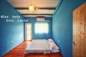 Blue Hole Dive Center