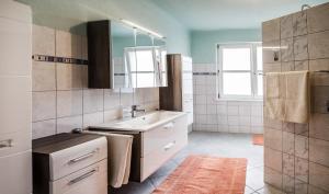 Ferienwohnung Familie Hartinger, Apartmány  Riegersburg - big - 2