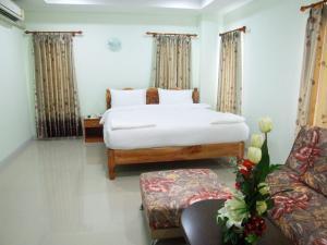 ルアリムナム ホテル Rueanrimnam Hotel