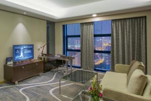 Chongqing C Plaza Hotel, Отели  Чунцин - big - 35
