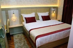 Hotel Elegance - фото 14