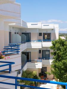 Balito, Aparthotely  Kato Galatas - big - 36