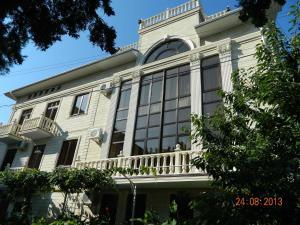 Guest House De Lux