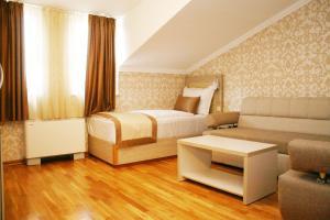 Hotel Elegance - фото 22