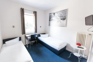 Double or Twin Room with Shared Toilet