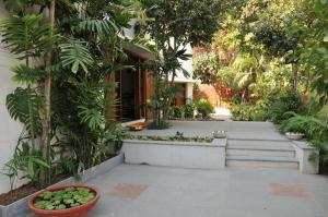 Utelia House No.9 ( A Luxury Paying Guest House )