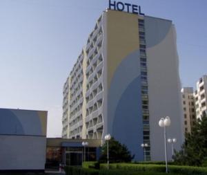 尼威酒店 (Hotel Nivy)