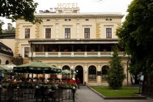 Отель Вена, Львов