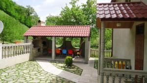 Your House, Dovolenkové domy  Dilijan - big - 18