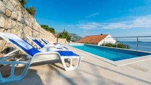 룸스 빌라 아드리아틱 (Rooms Villa Adriatic)